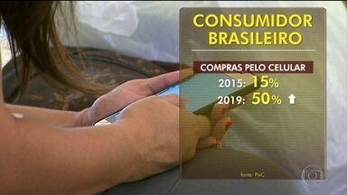 Brasil é um dos países onde os consumidores mais usam celular para compras online - O Brasil está entre os países onde os consumidores mais usam celular para as compras online, de acordo com pesquisa internacional. Esse tipo de operação é cada dia mais comum.