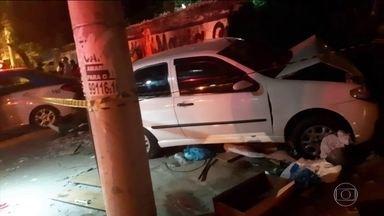 Homem é baleado e morre em briga de trânsito na Zona Oeste do Rio - Após discussão em via de Jacarepaguá, motociclista disparou tiro, que atingiu a nuca de homem de 50 anos. Ninguém que estava no carro com ele ficou ferido.