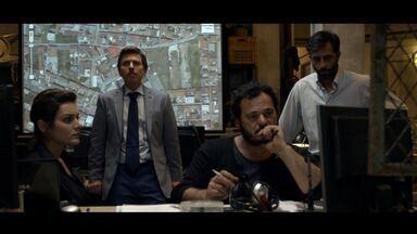 Episódio 1 - O delegado Romano está à caça de Antonio Iovine, chefe da Camorra, e descobre que ele está em um esconderijo. Enquanto isso, o fora da lei encontra-se com Zagaria, outro mafioso.