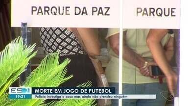 Polícia investiga tiroteio que deixou um morto e um ferido em Vila Velha, ES - Tiroteio aconteceu em um campo de futebol no bairro Boa Vista II.