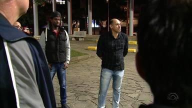Alunos são enganados com curso de bombeiro civil sem validade em Caxias do Sul - Prejuízos dos 70 alunos somam R$ 75 mil.