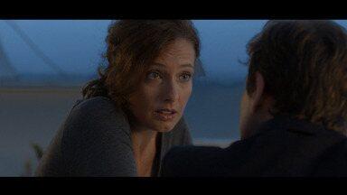 Episódio 2 - Iovine sugere que Anna arranje um namorado para evitar suspeitas. Ela logo pensa em Emilio. Os dois passam muito tempo juntos, mas a indiferença dela o deixa desconfiado.