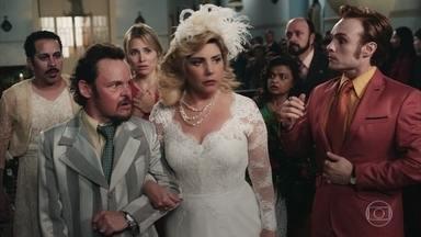 Olegário e Socorro conseguem se casar e Cine Holliúdy vence mais uma batalha - Após expulsar o espírito de Rebeca, Francis consegue realizar seu primeiro filme