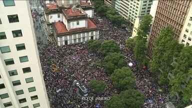 Boletim JN: Rio tem atos e paralisações contra cortes na educação - No Rio de Janeiro, concentração de manifestantes começou por volta das 15h. Veja a cobertura completa no JN, às 19h55.