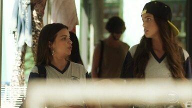 Ramila alerta Nanda sobre a proximidade de Raíssa e Camelo - Nanda garante que Raíssa é sua melhor amiga e jamais a trairia