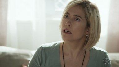 Filipe e Cida contam a Lígia sobre a presença de Rita no parquinho - Lígia teme que Rita tenta sequestrar Nina