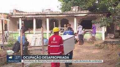 Moradores são retirados de terreno em desapropriação na Região do Barreiro, em BH - No local, é feita uma obra para contenção de água de chuva.