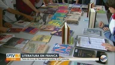 Feira do Livro começa nesta quinta-feira (16) no Sesi em Franca, SP - Público esperado é de oito mil visitantes.