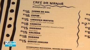 Cardápios dos restaurantes do Mercado da Encruzilhada são traduzidos para braile e inglês - Comerciantes do local passaram por curso de qualificação.