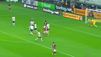 Flamengo vence o Corinthians pela oitavas de final da Copa do Brasil - Santos empatou com o Atlético Mineiro.
