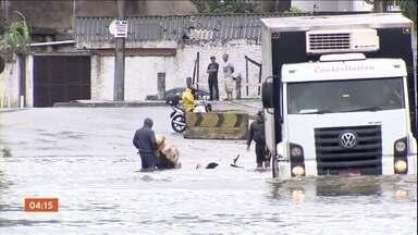 Caminhoneiros são roubados em São Vicente, litoral de SP - Caminhoneiros são roubados em São Vicente, litoral de SP.