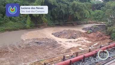 Trecho de obra na rua Lira, em São José, cede - Prefeitura informou que tubulação da Sabesp rompeu.