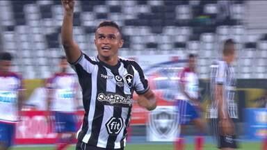 Botafogo enfrenta o Goiás de olho na quarta vitória seguida no Brasileirão - Botafogo enfrenta o Goiás de olho na quarta vitória seguida no Brasileirão