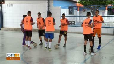 Colégios Auxiliadora e Encontro estão empenhados na preparação para disputa final - As equipes da categoria sub-14 treinaram ao longo da semana.