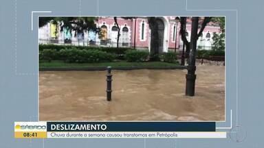 Chuva causou transtornos no Centro Histórico de Petrópolis durante esta semana - Rio Quitandinha transbordou.