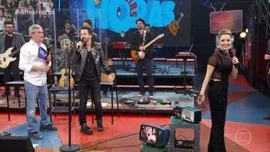 """Serginho Groisman recebe Sandy e Junior - Família Lima abre programa cantando """"Era Uma Vez"""""""