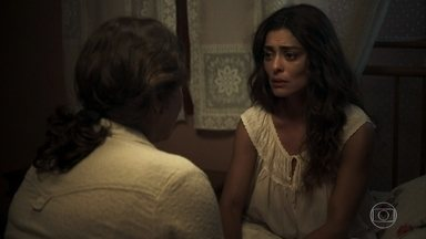 Evelina recebe ajuda do padre para fuga de Maria - Ela acorda a filha durante a madrugada e avisa que a prima do religioso vai hospedá-la em São Paulo
