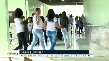 Após quase uma semana de greve, diretores retomam aulas nas escolas de Cruzeiro do Sul - Aulas foram retomadas nesta terça-feira.