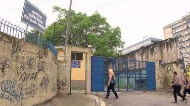 Prefeitura suspende fechamento da Maternidade Herculano Ribeiro, em Madureira - Os pacientes seriam transferidos para a Maternidade Alexander Fleming, em Marechal Hermes, que tem poucos médicos e muitas reclamações. A prefeitura alegou que os cronogramas estão sendo refeitos.