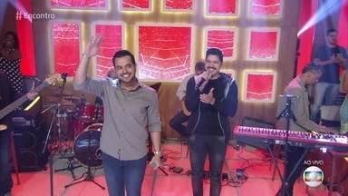 Henrique & Diego canta 'Suíte 14' - Confira