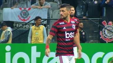 Abel Braga fecha o treino e Flamengo deve ter mudanças contra o Athlético - Abel Braga fecha o treino e Flamengo deve ter mudanças contra o Athlético
