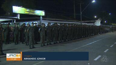 Formatura do dia da infantaria - Homenagem ao herói da história militar e a entrega da boina camuflada
