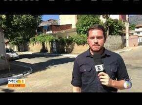 Motociclista morre após bater na traseira de caminhão em Governador Valadares - Ele chegou a ser socorrido, mas faleceu no hospital; segundo a polícia, condutor do caminhão não possuía habilitação na categoria D.