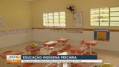 Falta de energia prejudica aulas em comunidade indígena, no AM - Aulas estão sendo improvisadas.