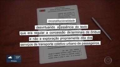 Prefeitura suspende assinatura de contratos com empresas de ônibus - Justiça derruba lei que ampliava a prazo da concessão dos ônibus.