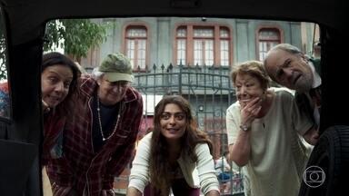 Marlene convence Antero a emprestar seu carro para ajudar Maria - O advogado reconhece Eusébio e quase desiste de ajudar a jovem. Maria se entusiasma com a ideia de vender bolos
