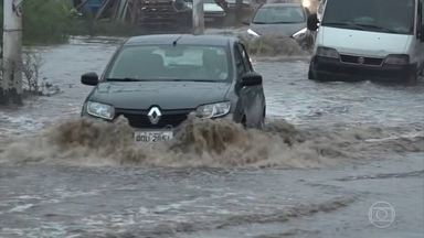 Entenda os riscos da enchente para a direção hidráulica - A água pode oxidar as peças e danificar o sistema.