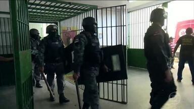 Visitas aos aos presos em cinco penitenciárias do Amazonas estão suspensas - A medida é por segurança depois que quinze presos foram mortos.