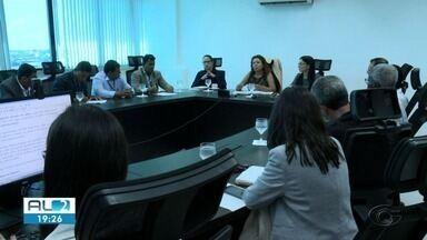 Moradores de bairros atingidos por rachaduras cobram rapidez na divulgação de novo mapa - Eles se reuniram com o Ministério Público Federal em Alagoas.