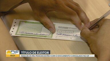Mais de 35 mil eleitores no DF estão com o título cancelado - O primeiro passo é acessar o site do TRE ou ir até um cartório eleitoral, consultar o documento e imprimir o boleto com a multa.
