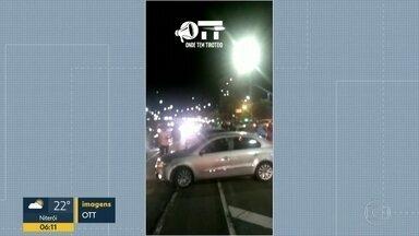 Moradores se assustam com suposto arrastão na ponte da Joatinga, na Barra - Polícia disse que houve uma perseguição e não há registro de vítimas