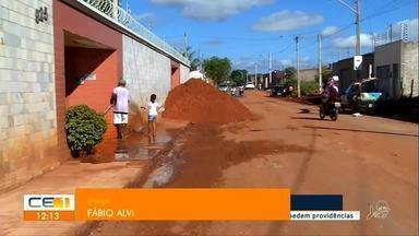 Moradores do Jardim Gonzaga reclamam da infraestrutura do bairro - Saiba mais em g1.com.br/ce