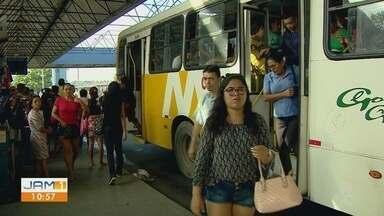 População convive com terminal com falta de manutenção em Manaus - Trabalhadores denunciam dificuldade em fazer a limpeza dos banheiros.
