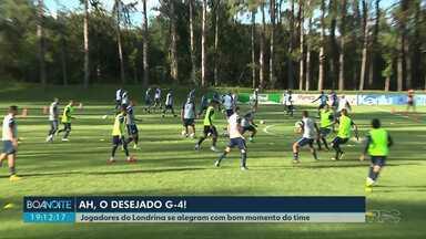 Jogadores do Londrina se alegram com bom momento do time - O tubarão está no G-4 desde o início da competição.