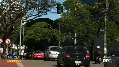 Semob registra 26 mil avanços de sinal nos quatro primeiros meses deste ano em Maringá - Cruzamento entre Avenida Horácio Raccanello e Avenida Pedro Taques, com 1,4 mil avanços.