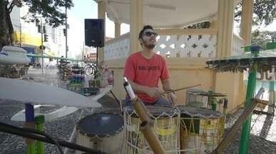 Rafael Ristow conhece projeto 'Rádio Sucata' - O repórter Rafael Ristow foi conferir o projeto do grupo 'Rádio Sucata' de Mogi Mirim (SP), que une sustentabilidade e música