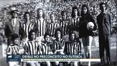Museu do Futebol conta a história das mulheres no esporte - Em plena Copa do Mundo feminina, uma exposição no Museu do Futebol conta a história das mulheres no esporte no Brasil.