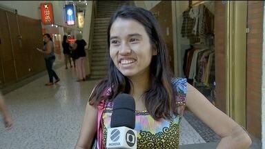 Seleções masculina e feminina de futebol dividem a preferência do torcedor em MS - Globo Esporte foi as ruas ouvir que está com mais moral com a torcida.