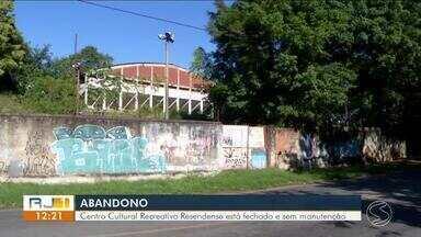 Centro Cultural Recreativo Resendense segue fechado e sem manutenção - Local, que já foi palco de grandes eventos e competições, apresenta sinais de abandono.