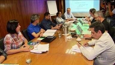Relator da reforma da Previdência tem dia de reuniões para ajustes finais da proposta - Deputado Samuel Moreira, do PSDB, passou quase todo o dia em reunião com consultores da Câmara e secretários da Previdência, no Ministério da Economia.