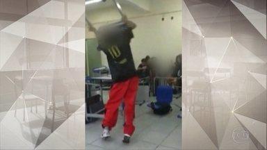 Professora atacada por alunos em SP foi internada por estresse - A agressão foi registrada num vídeo exibido no Fantástico do domingo passado. Números mostram que os afastamentos de professores vêm aumentando em São Paulo.