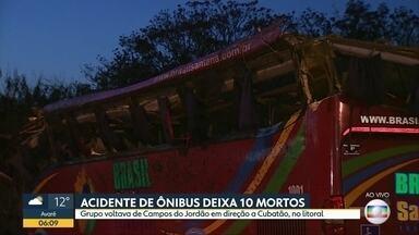 10 pessoas morrem em acidente envolvendo ônibus entre Campos do Jordão e Pindamonhangaba - Grupo estava indo em excursão para Cubatão e bateu em pelo menos 5 carros e uma moto