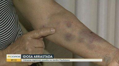 Idosa é arrastada durante assalto no Jardim Paulistano em Ribeirão Preto - Câmeras de segurança registraram a ação, mas ladrão ainda não foi identificado.