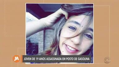 Jovem de 19 anos é assassinada durante confusão em São Jerônimo - Ela foi morta durante uma briga, na madrugada deste domingo (9).