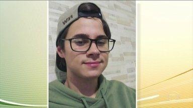 Polícia investiga morte de ator de 22 anos em São Paulo - Segundo a polícia, o pai da namorada de Rafael Henrique Miguel, de 22 anos, foi quem atirou nele e nos pais. Paulo Cupertino Matias, de 48 anos, está foragido.