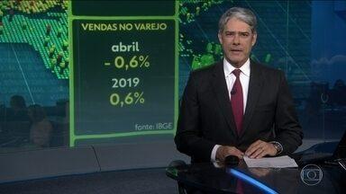 Vendas no comércio brasileiros caem 0,6% em abril - No ano, o setor acumula alta de 0,6%.